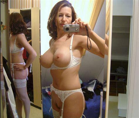Milfs Take Naked Selfies 7 Pics Real Girls Prime