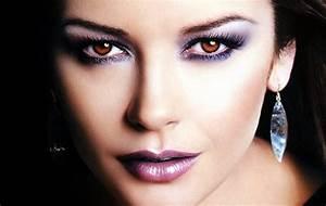 Como Maquillarse los Ojos con Sombras Oscuras