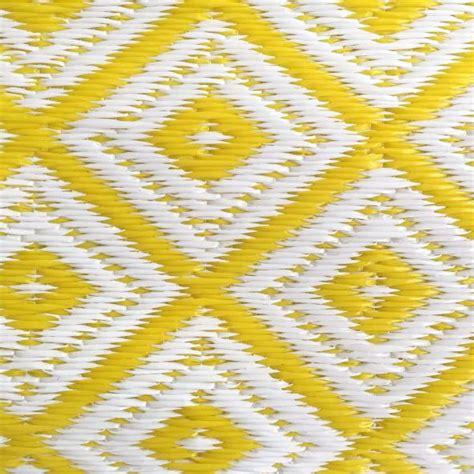 Outdoor Teppich Gelb by Garten Im Quadrat Outdoor Teppich Arabien Gelb Wei 223