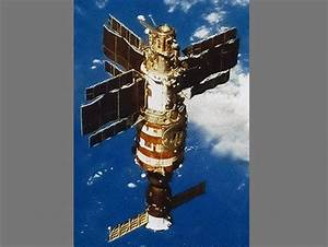 Mind-Blowing Story of Russian Cosmonauts Who Saw Angels in ...