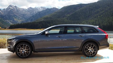 The 2017 Volvo V90 Cross Country Might Just Charm America