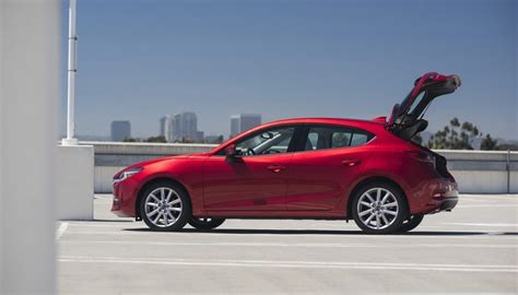 Difference Between Hatchback And Station Wagon by Hatchback Vs Wagon What S The Difference Between These