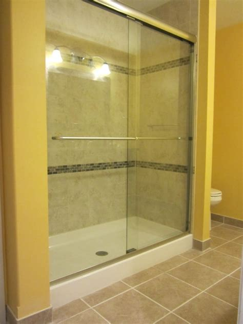 Shower Walls And Base by 17 Best Ideas About Fiberglass Shower Pan On