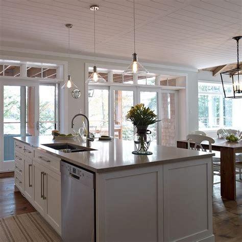 image de cuisine contemporaine grand ilot de cuisine contemporaine avec lave vaisselle et