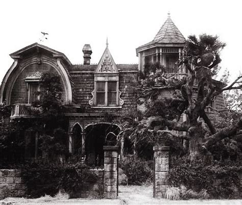 munsters house the munster s home looks like my front yard only with a