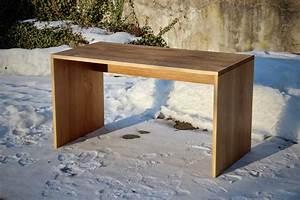 Büromöbel Aus Holz : schreibtisch mit kabelpritsche aus eiche sinnesmagnet ~ Indierocktalk.com Haus und Dekorationen