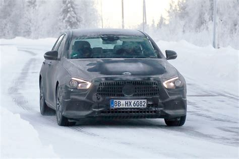 updated  mercedes  class spied  rival