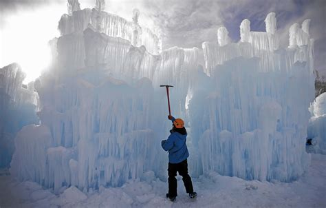 ice castle shaping   wisconsin dells waterpark