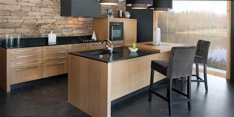 cuisine bois contemporaine cuisine bois et noir galerie et cuisine bois contemporaine