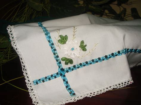 servilletas bordadas en liston para bautizo imagui bautizo ni 241 o servilletas