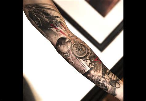 tatouage femme voyage cochese tattoo