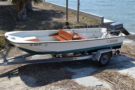 Boston Whaler Boats Forums by Boston Whaler 17 Sport The Hull Boating And