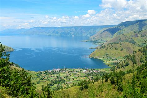 photo  danau toba sumatera utara pesona indonesia