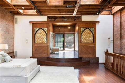 chris rocks carriage house  brooklyn hits  market