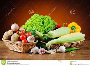 Fresh Vegetables In Basket Stock Image - Image: 32797521