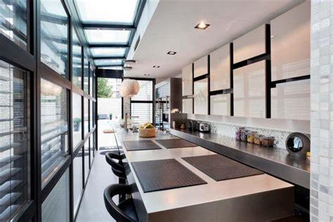 cuisine villa cuisine américaine contemporaine dans une villa à courbevoie