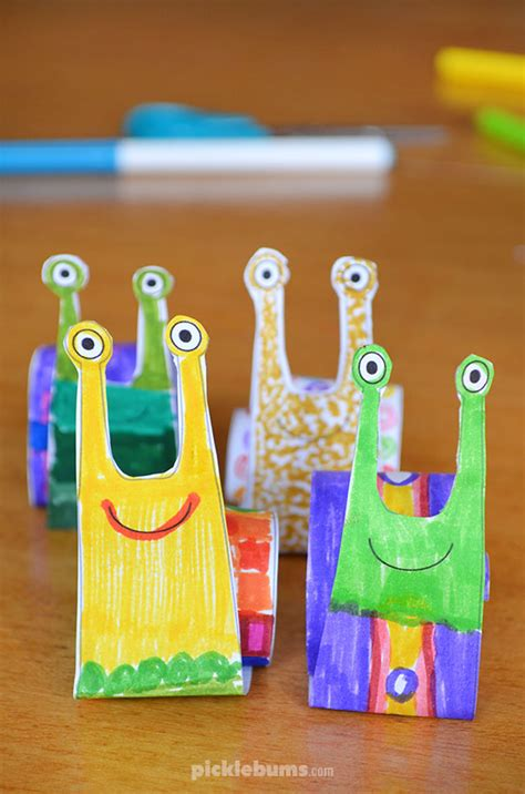 easy rolled paper snail  printable picklebums