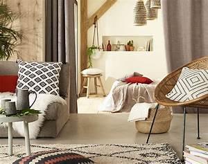 un style qui invite au voyage couleurs et matieres With couleur pour le salon 0 des rideaux gris argent matieres pour un salon au style