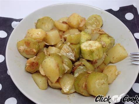 cuisiner des courgettes poele tajine de courgettes et pommes de terre aux amandes