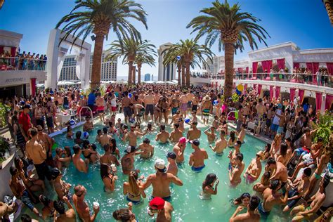 Las Vegas pools free for locals | 2019 | Las Vegas Review ...
