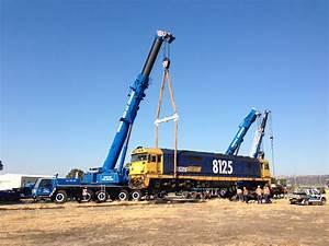 Important Hand Signals For Crane Operators