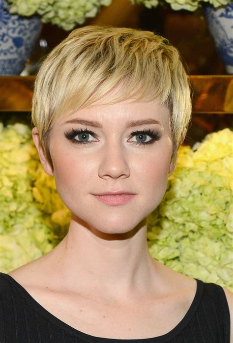 HD wallpapers short hair cuts for young women