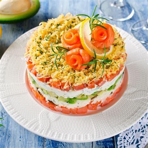 cuisine pavé de saumon recette mille feuilles de saumon ricotta concombre
