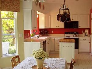 red and white cottage kitchen 1198