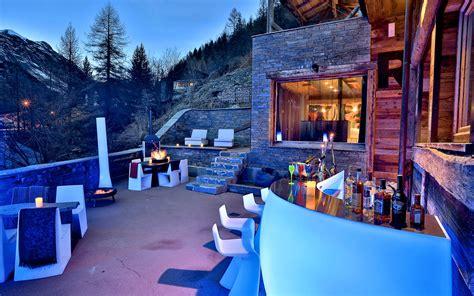 chalet les melezes tignes luxury ski chalet chalet quezac tignes les br 233 vi 232 res firefly collection