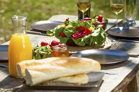 Winery Brunch by Best Bottles For Outdoor Dining Wines For The