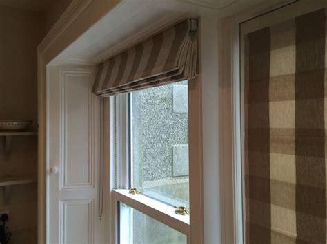 close    roman blind   sash window roman