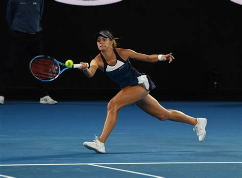 33 (24.02.20, 147200 points) points. Magda Linette - Australian Open 01/15/2019 • CelebMafia