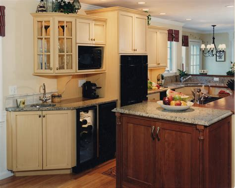 country kitchens with islands country kitchen island cooktop currier kitchens