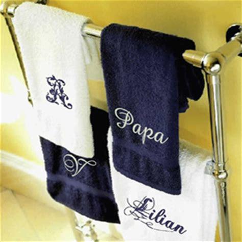 linge de bain personnalise du linge de bain personnalis 233 pour la f 234 te des m 232 res une id 233 e cadeau originale