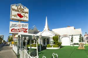 wedding chapels in las vegas a white wedding chapel shopping in downtown las vegas