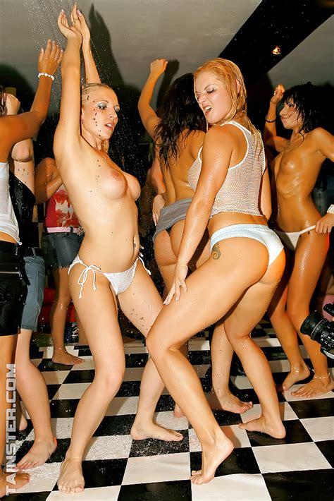 Luscious Milfs Enjoy Wild Sex Orgy At The Drunk Sex Party