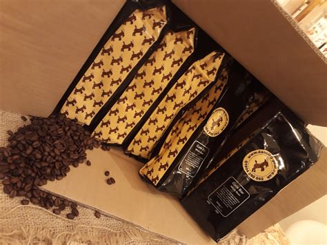 Coffee enthusiasts can opt for their manual brew, which offers the selections of beans, such as gayo kupas. Cafe Bar Whole Bean Blend by Dancing Goat Coffee 12x500g - Dancing Goat Coffee
