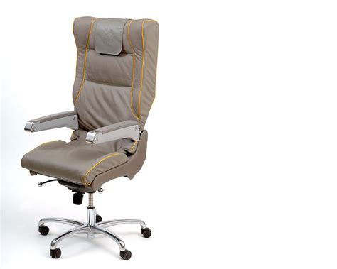 siege d avion un fauteuil de bureau à partir d 39 un siège d 39 avion design