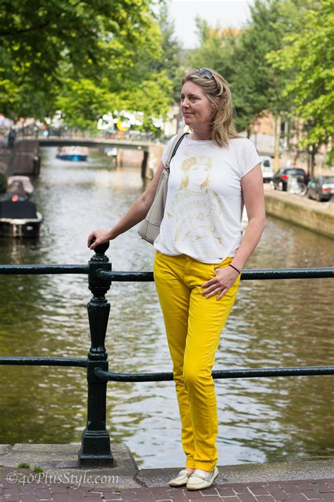White and yellow outfit for a hip comfortably chic look in Amsterdam