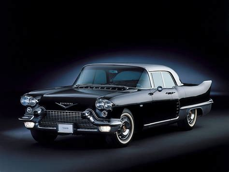 Cadillac Classic Car Wallpapers