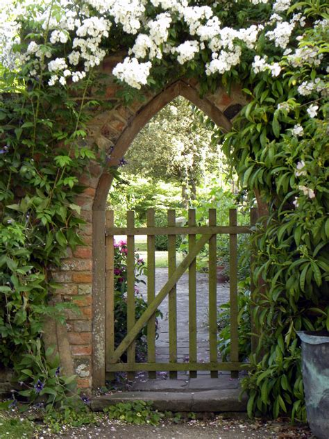a secret garden what is really making it difficult for you to go to work peted