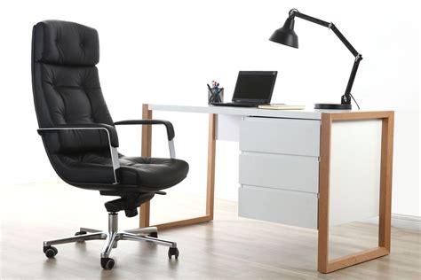 bureau cuir fauteuil de bureau cuir noir adagio cuir de buffle miliboo
