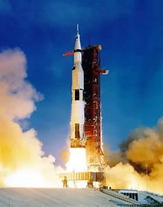 Apollo 11 Image Gallery - Preparing A Moonship