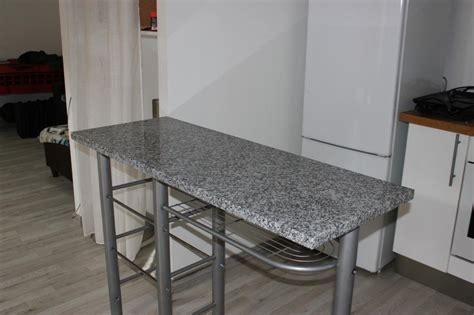 plan cuisine granit plan de travail granit sur pied