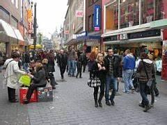 Kaufhaus In Moskau 3 Buchstaben : in aken shoppen de belangrijkste winkelstraten en warenhuizen voor een dagje funshoppen ~ A.2002-acura-tl-radio.info Haus und Dekorationen