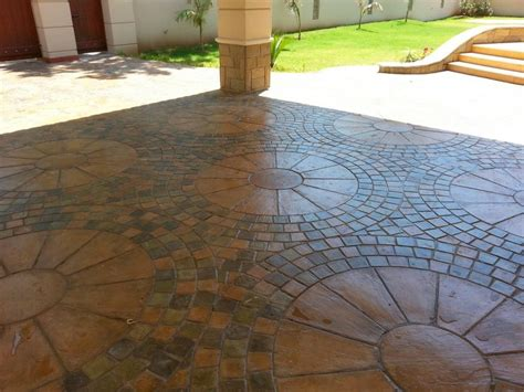 Circle Paving Tile Pattern Ideas Style and Inspiration