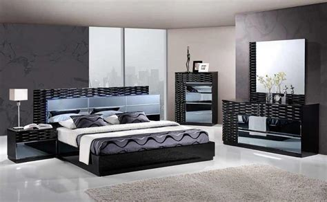 Manhattan King Size Modern Black Bedroom Set 5pc Global