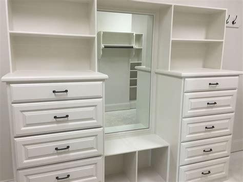 28 closet builders closets moughan builders