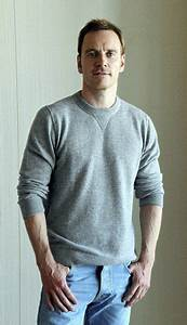 Michael Fassbender Height, Weight, Body Statistics, Net ...