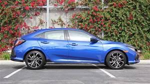 Honda Civic Sport 2017 : 2017 honda civic hatchback sport walkaround youtube ~ Medecine-chirurgie-esthetiques.com Avis de Voitures
